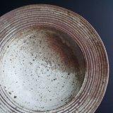絹白釉櫛目リム鉢